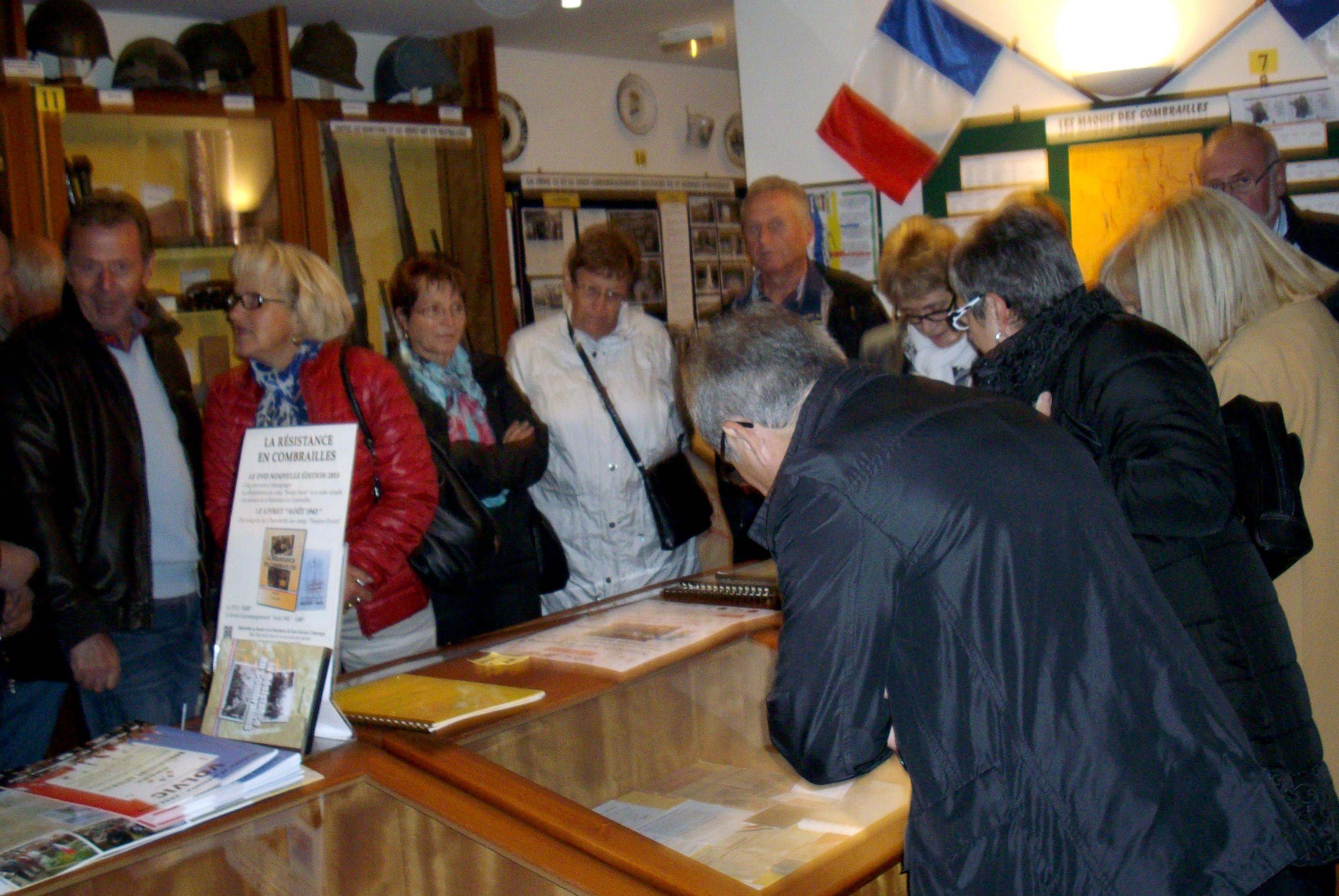 Les creusois de Cournon en visite au musée